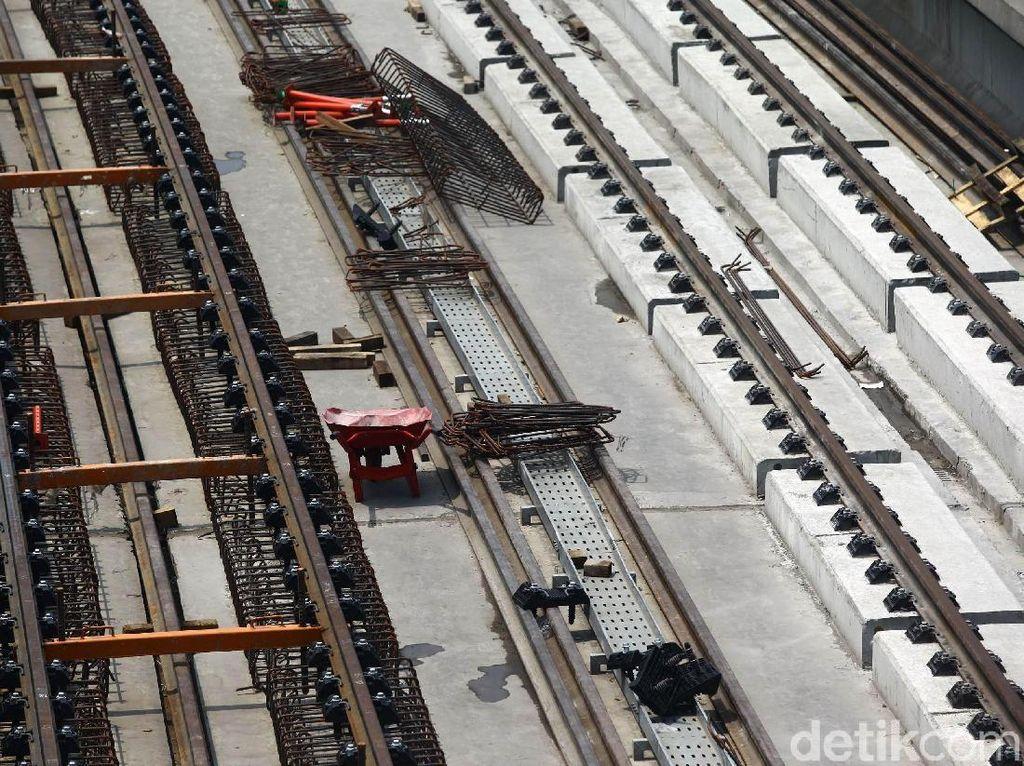 Rel Dipasang, Ini Penampakan Terkini Proyek LRT Jabodebek