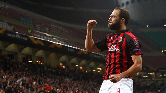 Pemain AC Milan, Gonzalo Higuain. (Foto: Marco Luzzani/Getty Images)