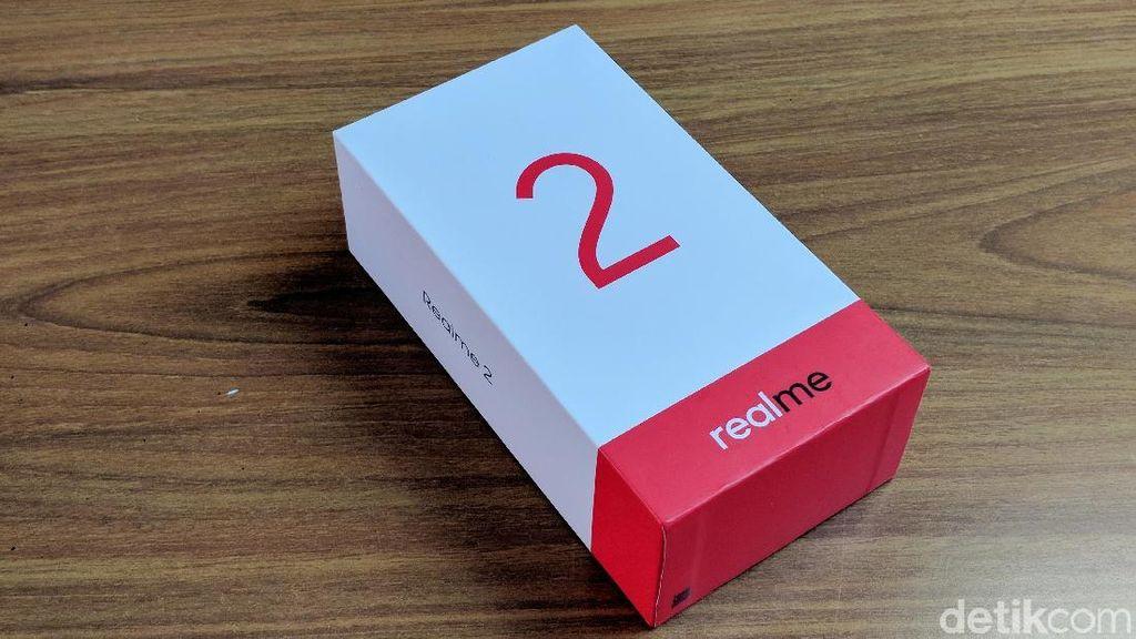 Unboxing Realme 2, Pendatang Baru yang Coba Usik Xiaomi