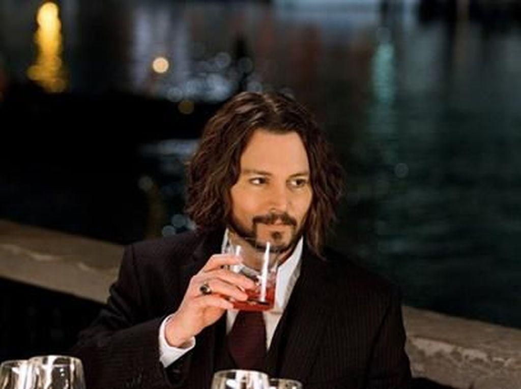 Aktor Kawakan Johnny Depp, Ternyata Penggemar Berat Wine