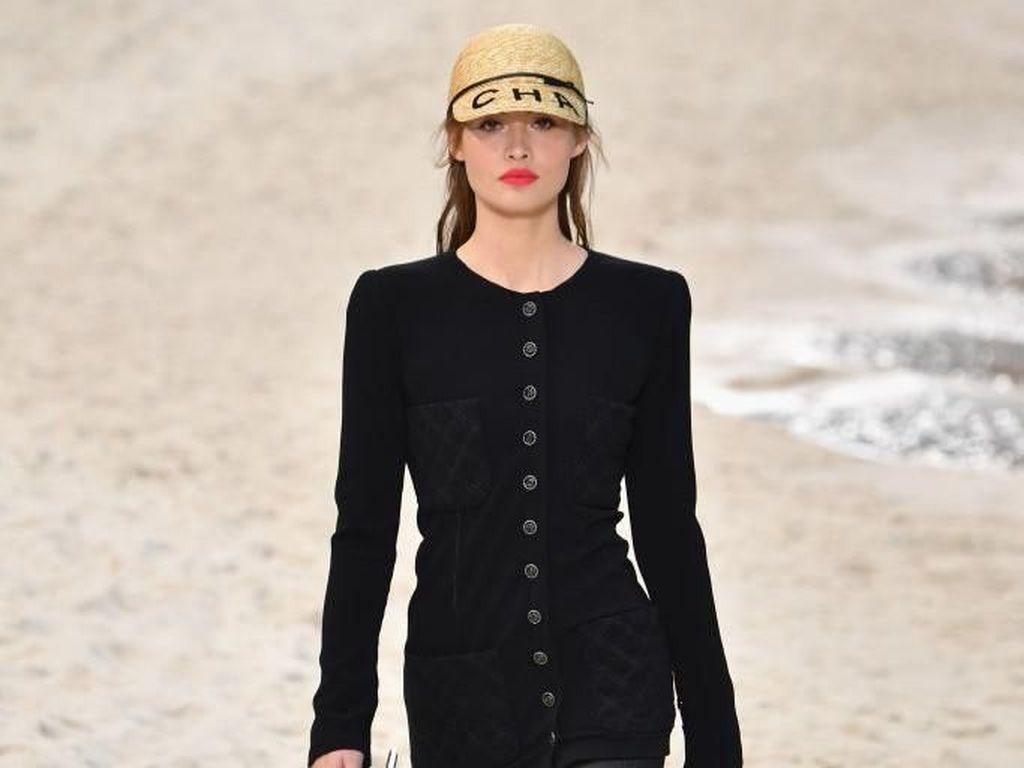 Chanel Tak Akan Lagi Pakai Kulit Buaya Sampai Ular untuk Koleksinya