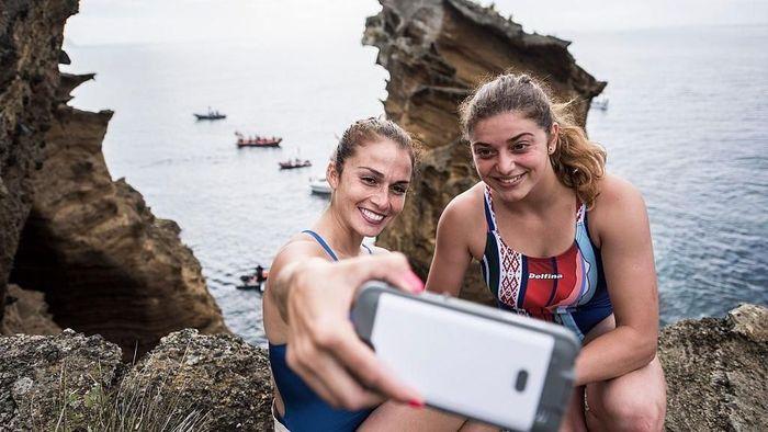 Ilustrasi selfie, harus ekstra hati-hati kalau sudah kelewat ekstrem (Foto: Dean Treml/Red Bull via Getty Images)