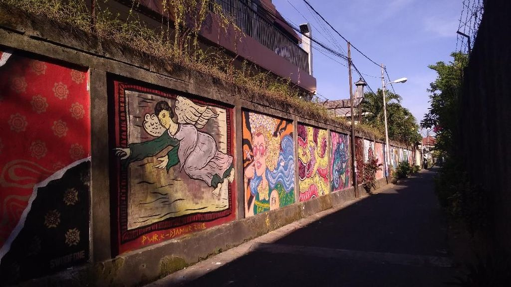 Potret Mural Menghiasi Sudut Kota Denpasar