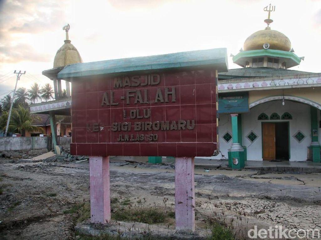 Masjid Al-Falah dan Al-Aswad Rusak Akibat Gempa di Palu