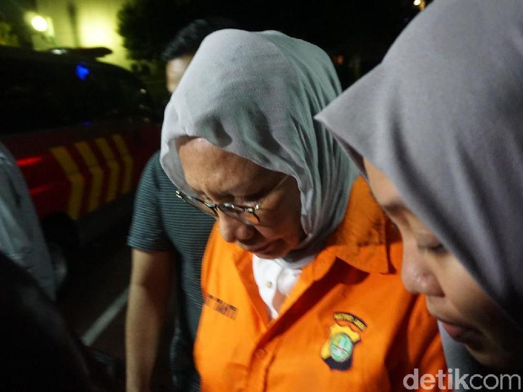 Resmi Ditahan, Ratna Sarumpaet Diperiksa Kesehatannya