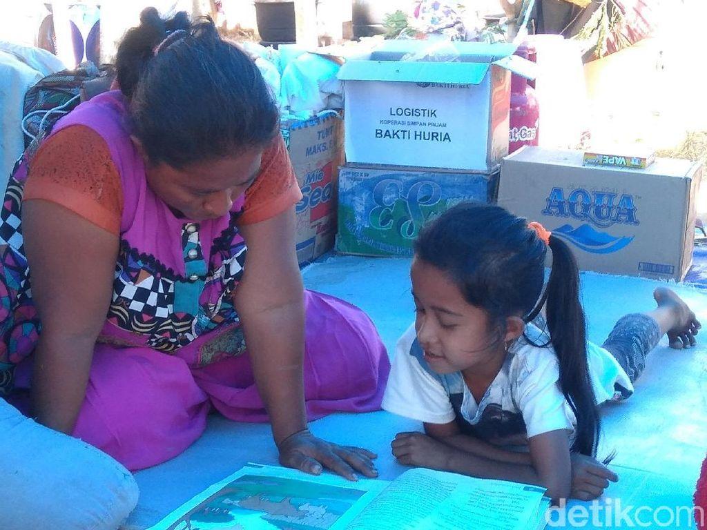 Bocah Palu! Gempa-Tsunami Tak Mampu Padamkan Semangat Belajarnya