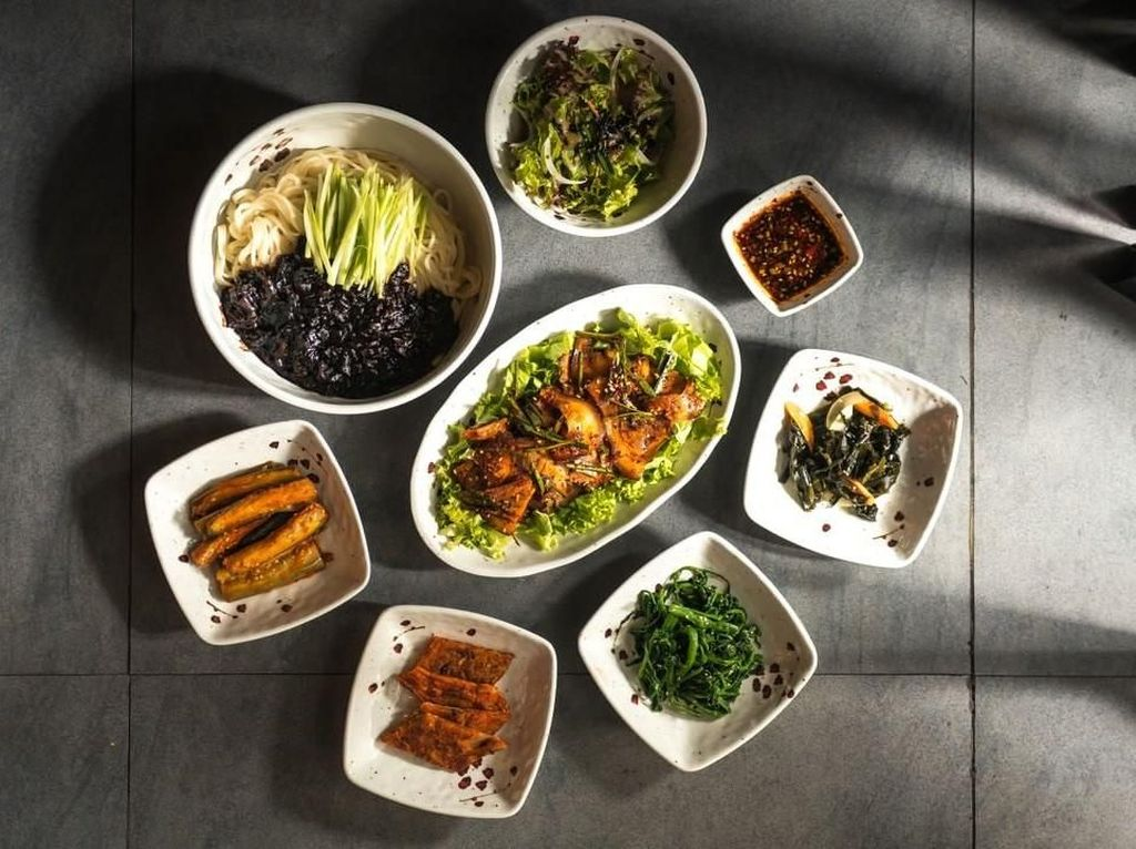 Masih di Bandung? Yuk, Cicipi Makanan Korea di 5 Restoran Ini!