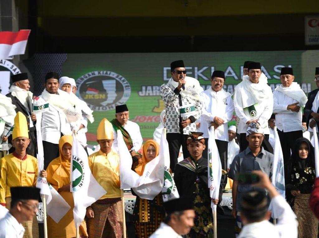 Berserban ala Rommy, Kyai & Santri di Jatim Deklarasi Dukung Jokowi