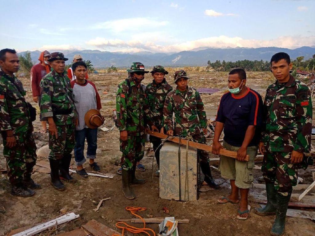 Tim Kodam Hasanuddin Temukan Brankas Berisi Rp 1 M di Reruntuhan Sigi