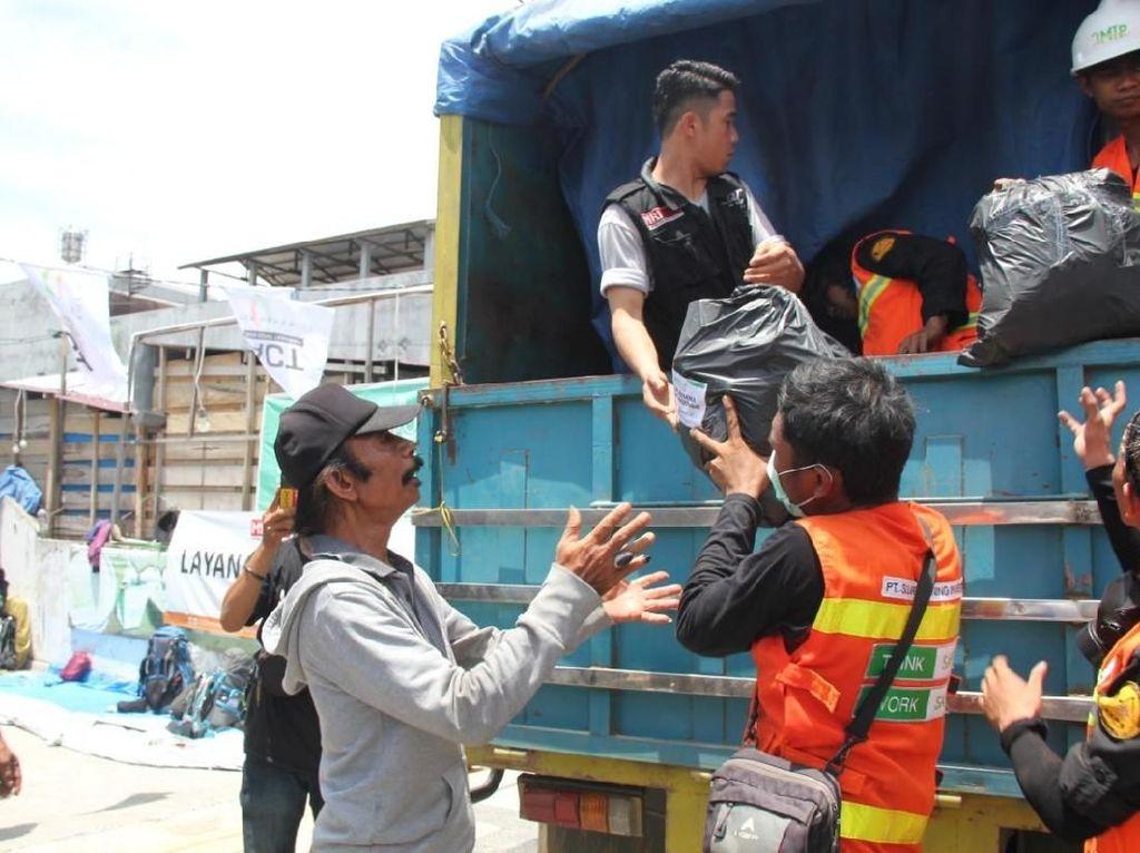 Perusahaan Nikel Ini Sumbangkan 3 Truk Logistik ke Posko ACT Palu
