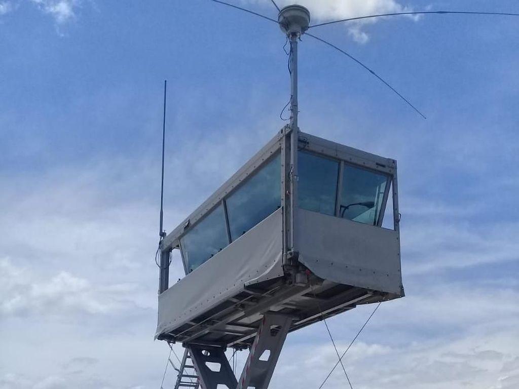 Airnav Kendalikan Pesawat Menggunakan Mobile Tower di Bandara Palu