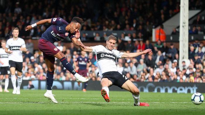 Arsenal menang telak 5-1 atas Fulham dan merangkai sembilan kemenangan beruntun. (Foto: Catherine Ivill/Getty Images)