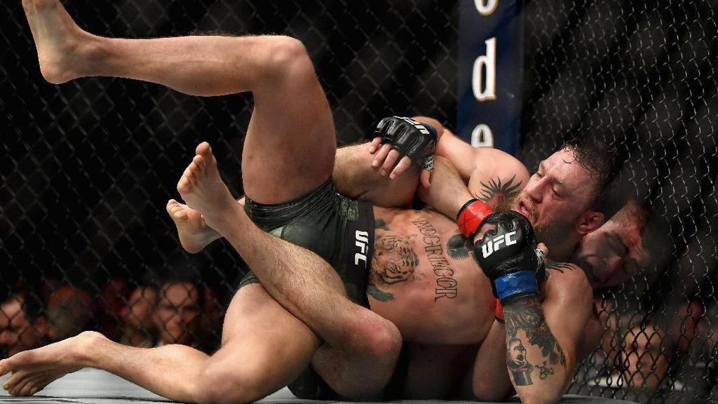 Khabib vs McGregor: Sengit di Dalam, Brutal di Luar Ring