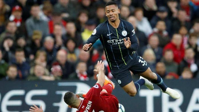 Gabriel Jesus kecewa dilarang menendang penalti di laga melawan Liverpool (Foto: Carl Recine/Action Images via Reuters)