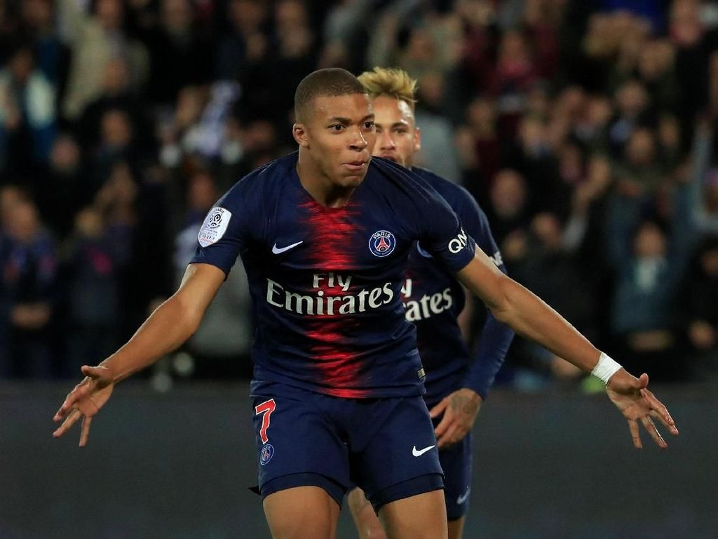 Mbappe di Laga PSG vs Lyon: Bikin 4 Gol dalam 13 Menit
