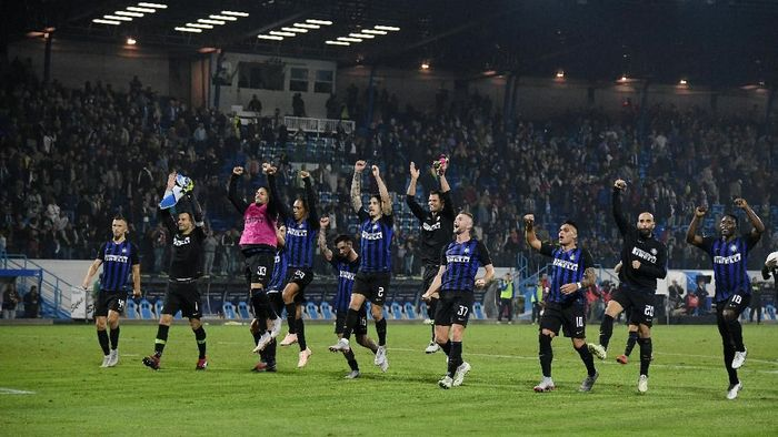 Inter Milan akan melakoni laga derby kontra AC Milan dengan modal enam kemenangan beruntun. (Foto: Alberto Lingria/REUTERS)