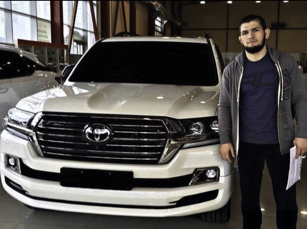 Beda Khabib Nurmagomedov dan McGregor Soal Pamer Mobil