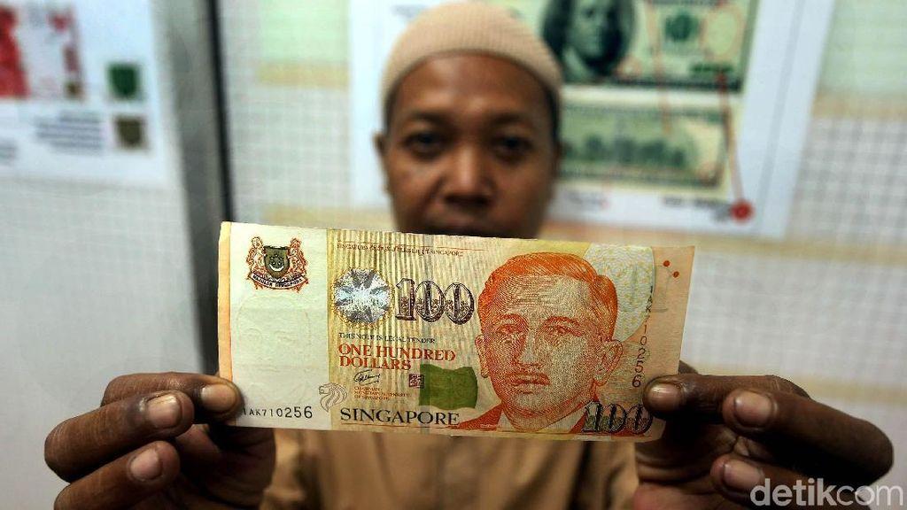 Dolar Singapura Mengamuk, Money Changer Diserbu