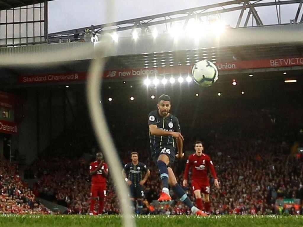 Rekor Penaltinya Buruk, Kenapa Mahrez Jadi Eksekutor Manchester City?