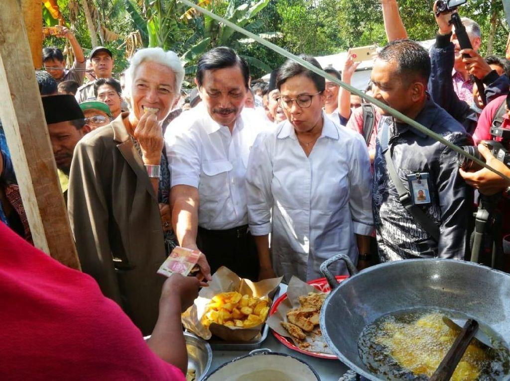 Bos IMF Cicip Gorengan Bareng Luhut dan Sri Mulyani di Lombok