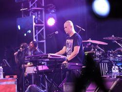 Dewa 19 Bawakan To The Bone, Ahmad Dhani Merasa Mainkan Lagu Sendiri