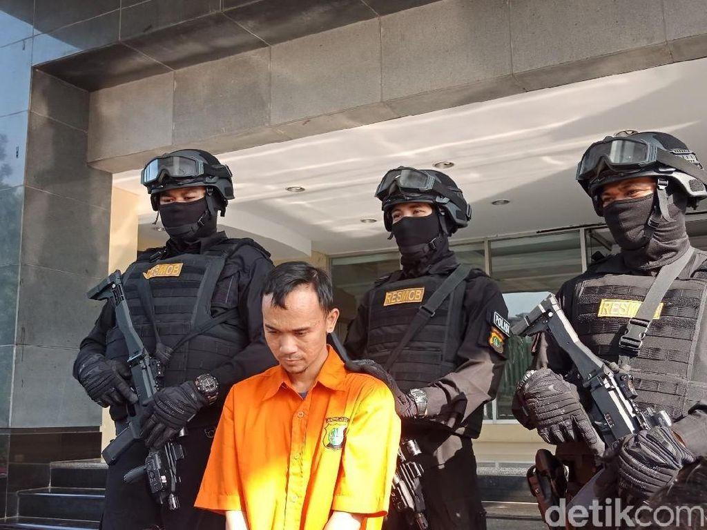 Pria Ngaku Sespri Kapolri Tipu Warga Bermodalkan Foto dengan Tito