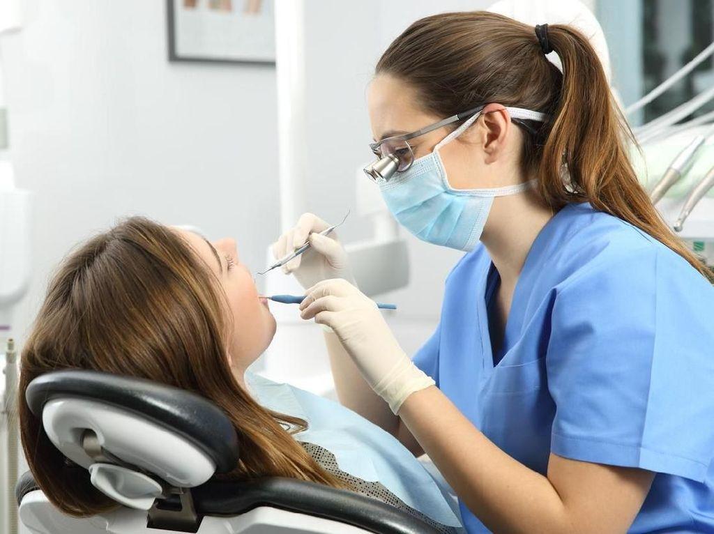 12 Cara Mengobati Sakit Gigi Alami dan Ampuh Sebelum ke Dokter