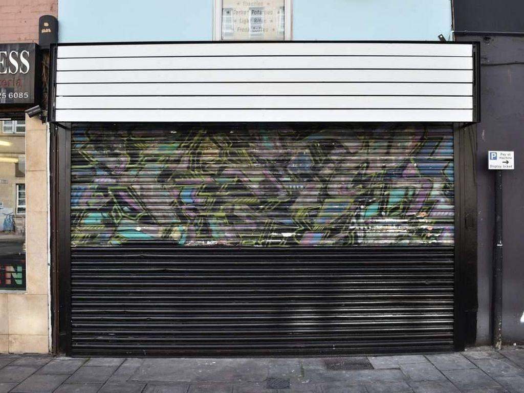 Ini Mural Pertama Banksy yang Dibuat Era 90-an