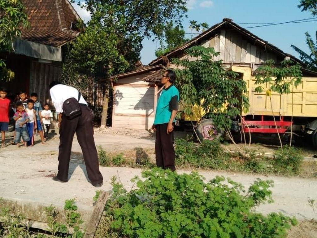 Salah Paham Bikin Dua Pria di Bojonegoro Ini Saling Bacok