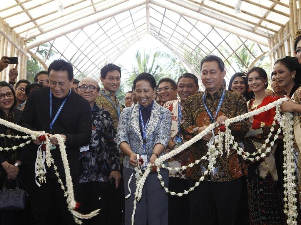 Rini Buka Indonesia Pavilion, Jendela RI di Pertemuan IMF-WB 2018