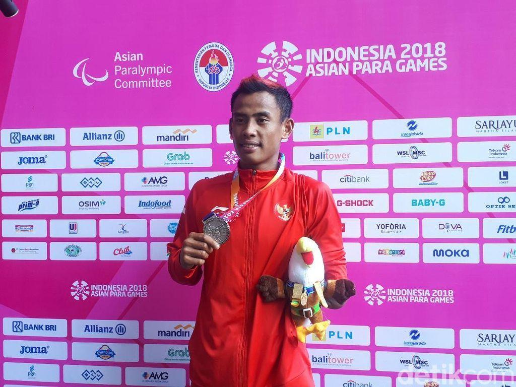 Pelari Tunadaksa Saktiyono Persembahkan Perak untuk Suporter Indonesia