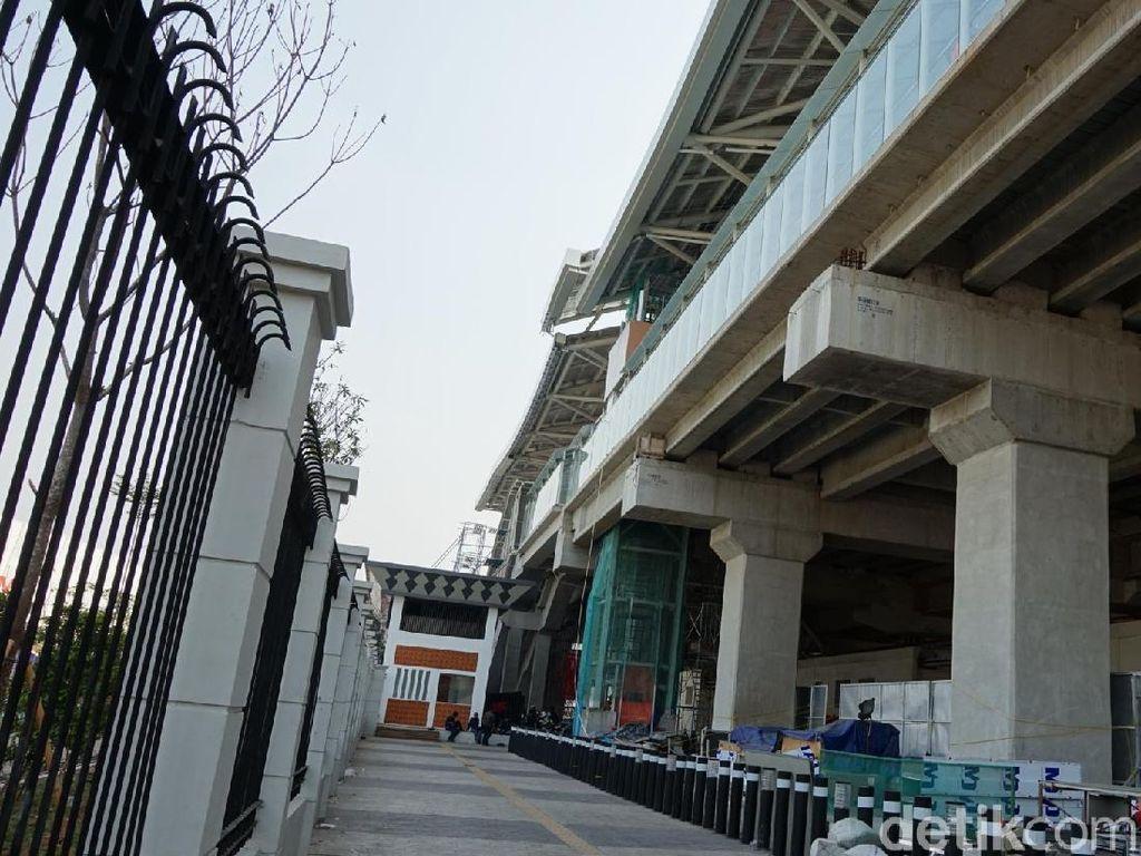 Penampakan Proyek LRT Velodrome-Kelapa Gading