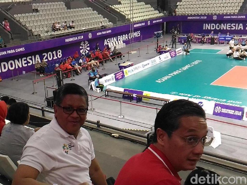 Timses Jokowi Tonton Voli Duduk Putri Asian Para Games