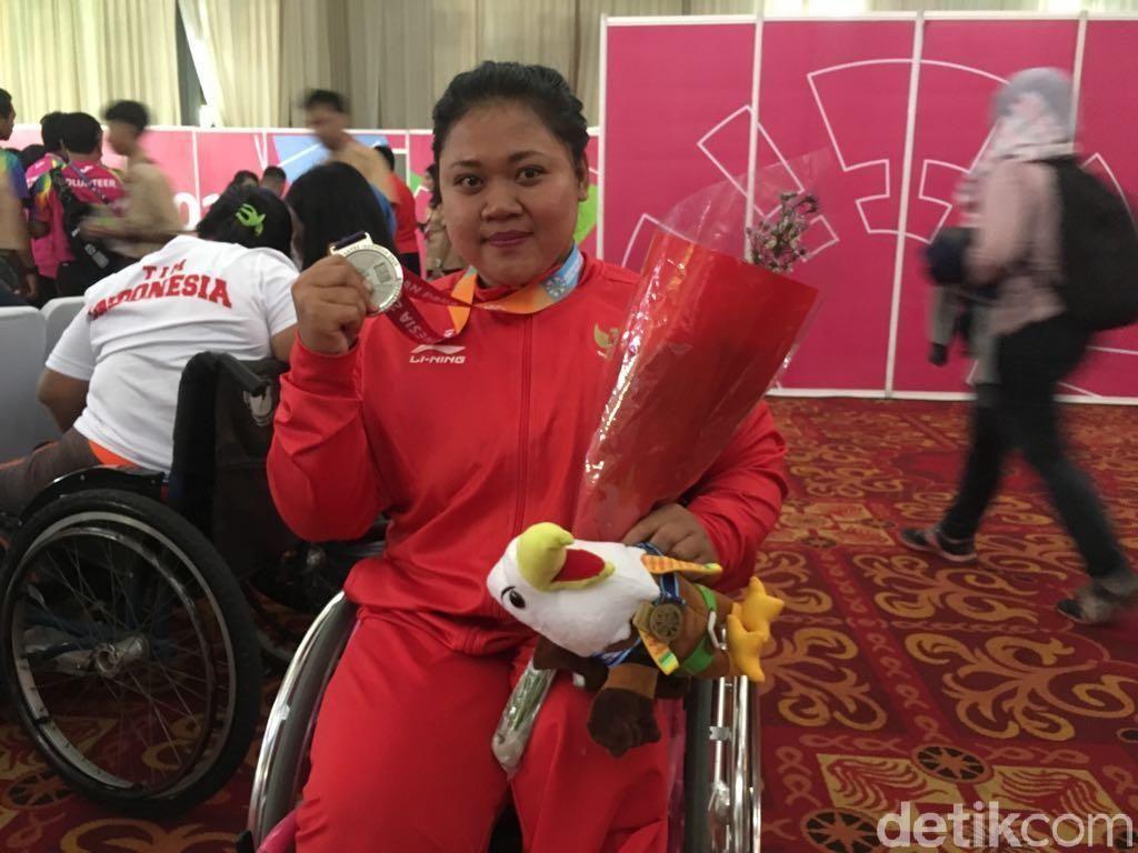 Atlet China Pecahkan Rekor Dunia Angkat Berat, Indonesia 2 Perak