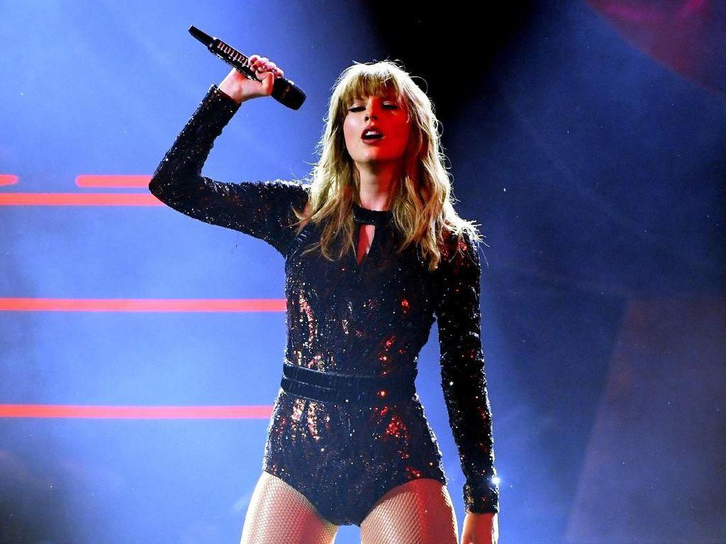 Taylor Swift Sedih Berpisah dengan Reputation