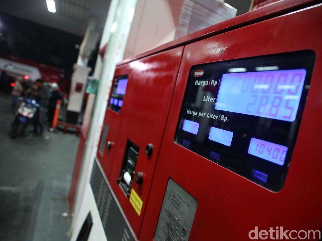 DPR Sebut ESDM Teledor soal Premium Batal Naik