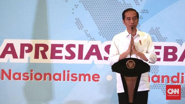 Presiden Jokowi meminta semua pihak untuk mengakhiri politik bohong.