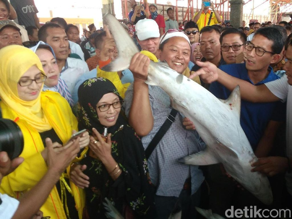 Sandi Janji Permudah Izin Penangkapan Ikan ke Nelayan Indramayu