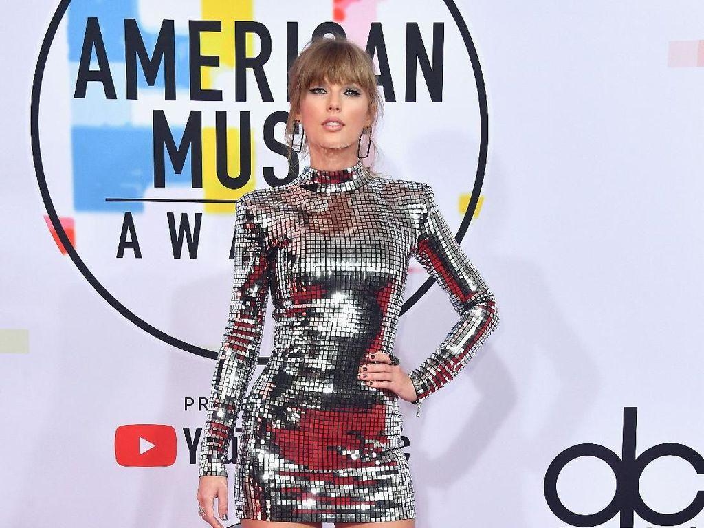 Bertubuh Langsing, Ini 5  Pola Diet  Sehat Taylor Swift