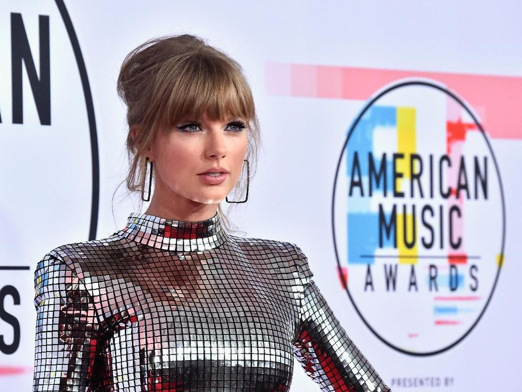 Taylor Swift Pecahkan Rekor Whitney Houston di American Music Awards