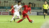 Indonesia langsung menekan selepas sepak mula.