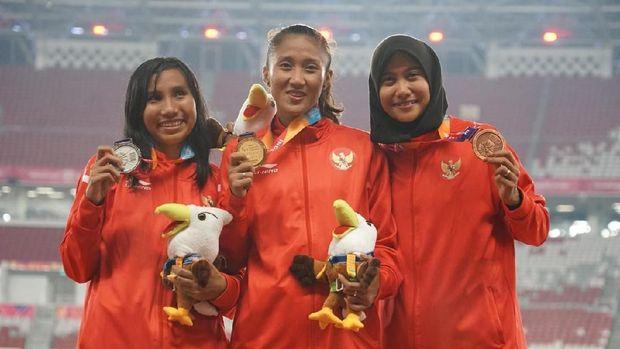 Medali Emas Atlet Lari Putri Aulia Jadi Kado Ultah untuk Ayah/