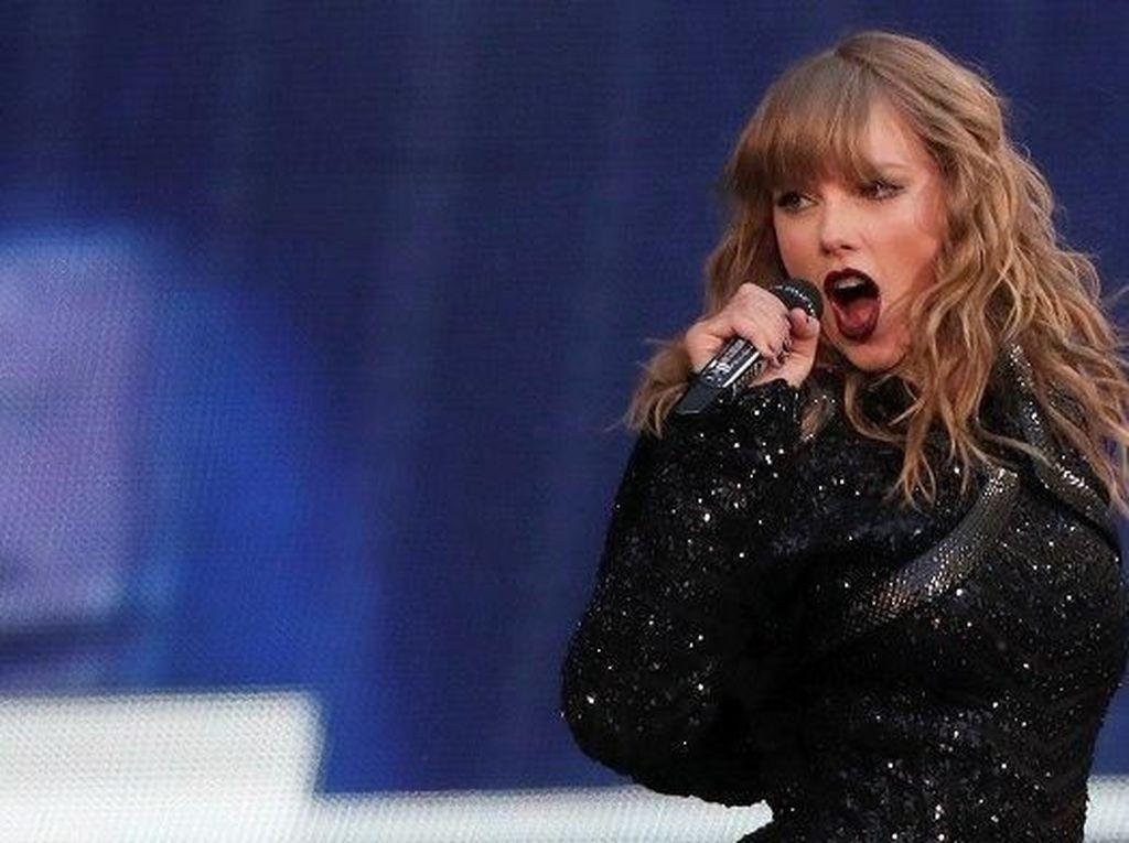 Mengenang Momen Unik Kemenangan Taylor Swift di Grammy Awards 2016