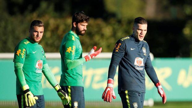 Alisson dan Ederson: Rival di Klub dan Juga Timnas Brasil