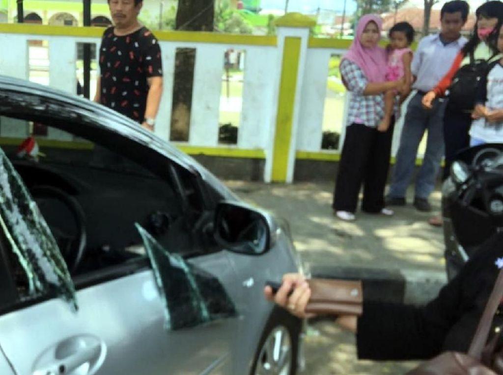 Pencurian Pecah Kaca Mobil di Sukabumi, Duit Rp 200 Juta Raib