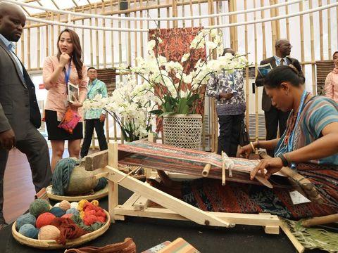 Tenun Maumere Makara Primadona di IMF-WB 2018 Bali