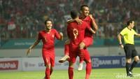 Tekanan Indonesia membuahkan hasil pada menit ke-17. Umpan silang Febri Hariyadi dari kiri ditanduk dengan leluasa oleh Beto di depan gawang. Indonesia memimpin 1-0.
