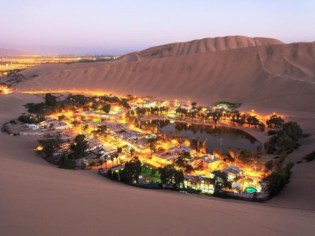 Oasis yang Cantik Ini Bukan di Timur Tengah