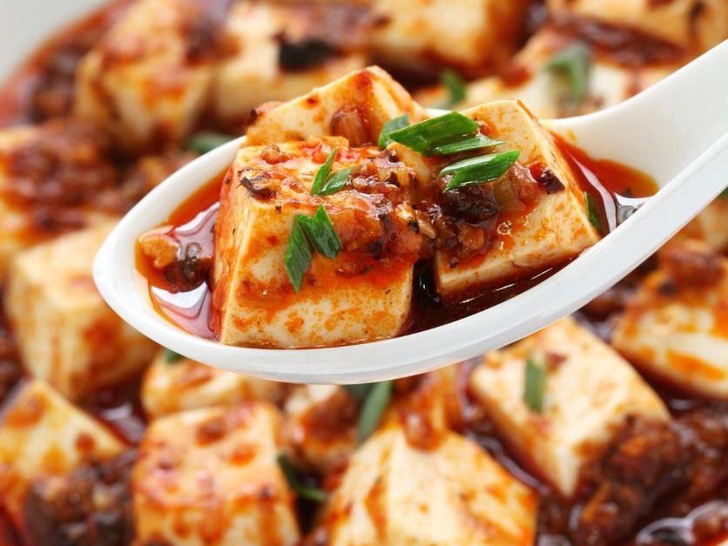 Pedas Mantap Ayam Geleshan dan Hot Pot Autentik Szechuan