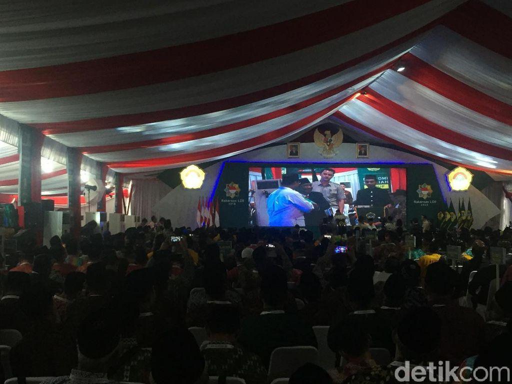 Momen Prabowo Hentikan Pidato di Rakernas LDII Ketika Dengar Azan